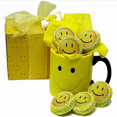 Birthday Smiley Mug of Chocolate Happy Oreos®