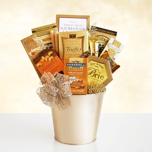 Golden Holiday Greetings Gift Basket