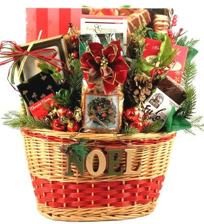 Holiday Season: Luxury Christmas Gift Basket