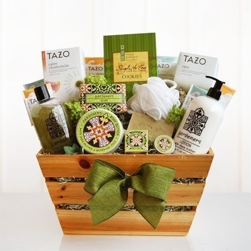 Luxury Gardeners Garden Spa Gift Basket