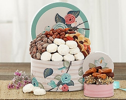 Mixed Sweets and Nuts Gift Box