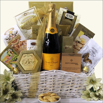 Simply Elegant: Veuve Clicquot Champagne Gift Basket