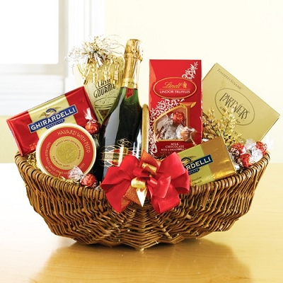 Valentine Greetings: Wine and Gourmet Gift Basket