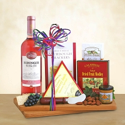 WHITE ZINFANDEL WINE & CHEESE GIFT BASKET