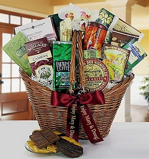 Housewarming Deluxe: Gourmet Food Gift Baskets