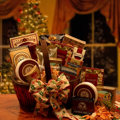 Holiday Splendor: Gourmet Holiday Gift Basket