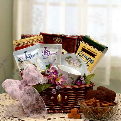 Tea Time Gourmet Gift Chest