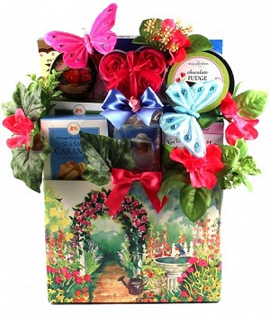 Garden OF Gifts: Garden Themed Gift Basket