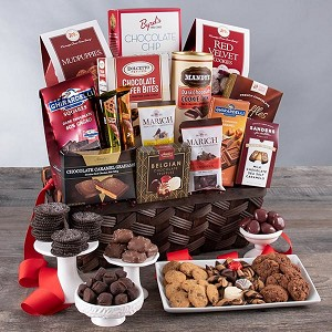 Holiday Chocolate Deluxe: Holiday Gourmet Gift Basket